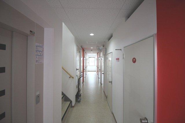 高槻藤の里町ライゼボックスの廊下共用部