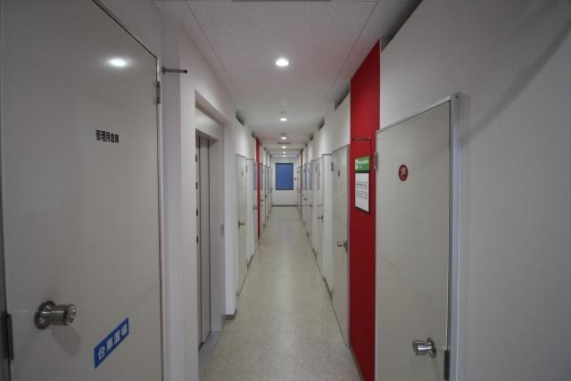 万代ライゼボックスの廊下