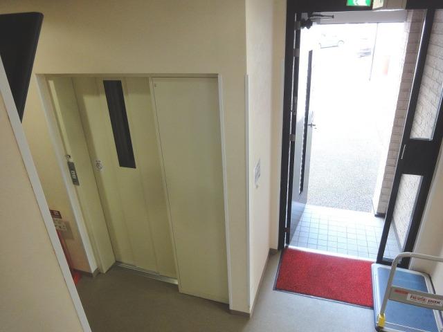 口谷東ライゼボックスの玄関入った内部